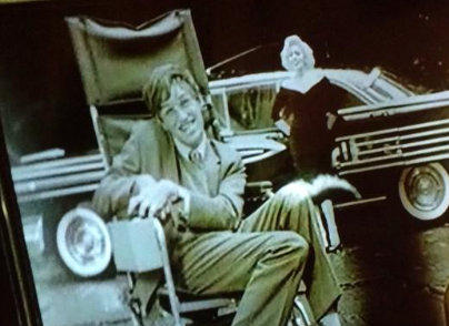 Eddie Redmayne as Stephen Hawking with Suzie Kennedy as Marilyn Monroe